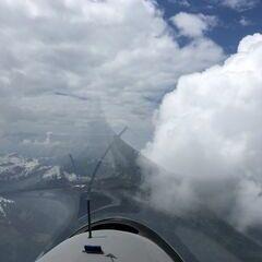 Flugwegposition um 12:15:50: Aufgenommen in der Nähe von Gemeinde Schoppernau, Österreich in 2746 Meter