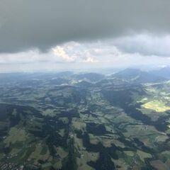Flugwegposition um 14:22:04: Aufgenommen in der Nähe von Gemeinde Doren, Österreich in 1984 Meter