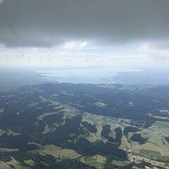 Flugwegposition um 14:22:27: Aufgenommen in der Nähe von Gemeinde Doren, Österreich in 2034 Meter