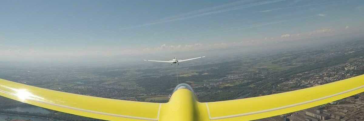 Verortung via Georeferenzierung der Kamera: Aufgenommen in der Nähe von Linz, Österreich in 900 Meter