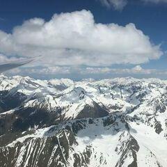 Flugwegposition um 12:53:46: Aufgenommen in der Nähe von Gemeinde Kals am Großglockner, 9981, Österreich in 3404 Meter