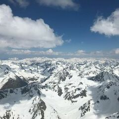 Flugwegposition um 12:53:49: Aufgenommen in der Nähe von Gemeinde Kals am Großglockner, 9981, Österreich in 3409 Meter
