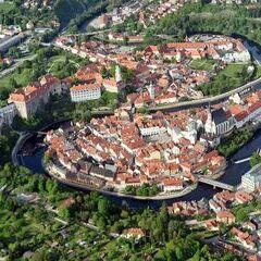 Flugwegposition um 15:50:07: Aufgenommen in der Nähe von Okres Český Krumlov, Tschechien in 970 Meter