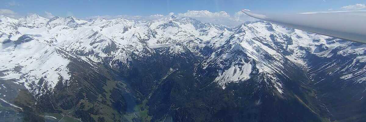 Flugwegposition um 13:57:16: Aufgenommen in der Nähe von Gemeinde Uttendorf, Österreich in 2731 Meter