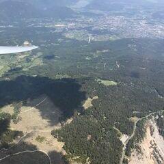 Flugwegposition um 11:21:49: Aufgenommen in der Nähe von Villach, Österreich in 2269 Meter