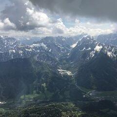 Flugwegposition um 12:19:28: Aufgenommen in der Nähe von Gemeinde Arnoldstein, Arnoldstein, Österreich in 2444 Meter