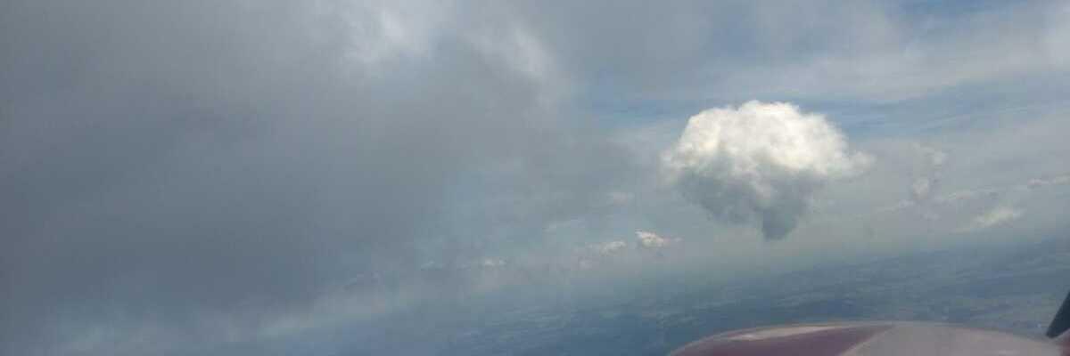 Flugwegposition um 11:06:04: Aufgenommen in der Nähe von Aigen-Schlägl, Österreich in 2054 Meter