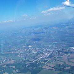 Flugwegposition um 14:22:56: Aufgenommen in der Nähe von Okres Znojmo, Tschechien in 1512 Meter