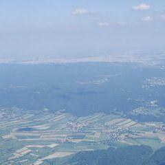 Flugwegposition um 15:07:49: Aufgenommen in der Nähe von Gemeinde Michelhausen, Österreich in 1607 Meter