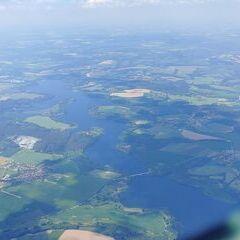 Flugwegposition um 13:04:55: Aufgenommen in der Nähe von Okres Benešov, Tschechien in 2273 Meter