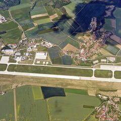Flugwegposition um 13:42:38: Aufgenommen in der Nähe von Okres Třebíč, Tschechien in 2448 Meter