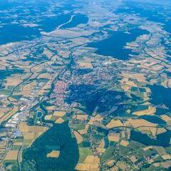 Flugwegposition um 12:57:50: Aufgenommen in der Nähe von Gemeinde Bad Blumau, Österreich in 1961 Meter
