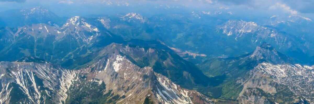 Flugwegposition um 09:51:36: Aufgenommen in der Nähe von Aflenz Land, Österreich in 2827 Meter