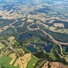 Flugwegposition um 12:48:38: Aufgenommen in der Nähe von Kreis Letenye, Ungarn in 1723 Meter