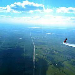 Flugwegposition um 15:00:50: Aufgenommen in der Nähe von Kreis Mosonmagyaróvár, Ungarn in 1606 Meter
