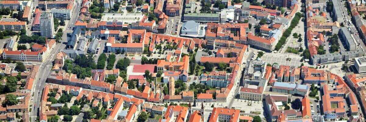Flugwegposition um 10:22:49: Aufgenommen in der Nähe von Kreis Szombathely, Ungarn in 1415 Meter