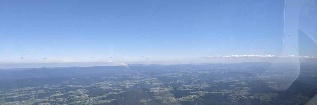 Verortung via Georeferenzierung der Kamera: Aufgenommen in der Nähe von Deggendorf, Deutschland in 2000 Meter