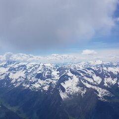 Flugwegposition um 12:28:50: Aufgenommen in der Nähe von Gemeinde Fusch an der Großglocknerstraße, 5672 Fusch an der Großglocknerstraße, Österreich in 3549 Meter