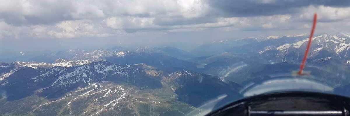 Flugwegposition um 13:29:57: Aufgenommen in der Nähe von Gemeinde, Österreich in 2956 Meter