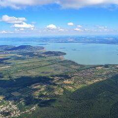 Flugwegposition um 14:21:56: Aufgenommen in der Nähe von Kreis Tapolca, Ungarn in 1478 Meter
