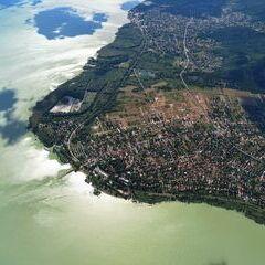 Flugwegposition um 14:14:14: Aufgenommen in der Nähe von Kreis Keszthely, Ungarn in 1566 Meter