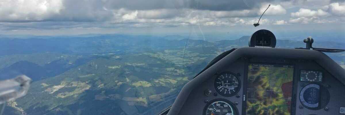 Flugwegposition um 12:43:45: Aufgenommen in der Nähe von Frohnleiten, Österreich in 1978 Meter