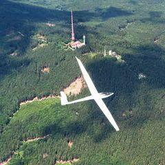Flugwegposition um 11:52:23: Aufgenommen in der Nähe von Okres Český Krumlov, Tschechien in 1955 Meter