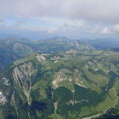 Flugwegposition um 09:48:43: Aufgenommen in der Nähe von Gemeinde Abtenau, Österreich in 2212 Meter