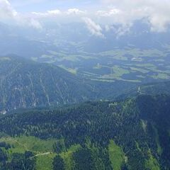 Flugwegposition um 09:47:57: Aufgenommen in der Nähe von Gemeinde Abtenau, Österreich in 2225 Meter