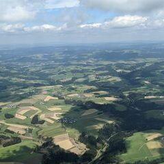 Flugwegposition um 11:24:50: Aufgenommen in der Nähe von Gemeinde Altenfelden, Österreich in 1549 Meter