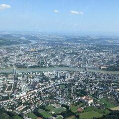 Flugwegposition um 14:15:53: Aufgenommen in der Nähe von Linz, Österreich in 914 Meter