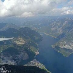 Flugwegposition um 12:12:35: Aufgenommen in der Nähe von Gemeinde Hallstatt, Hallstatt, Österreich in 2482 Meter