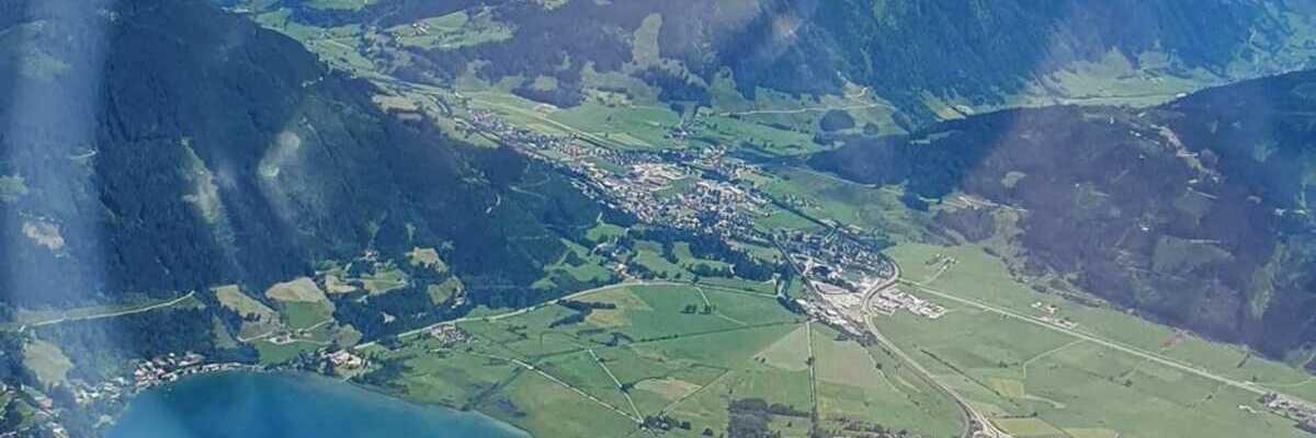 Flugwegposition um 13:03:24: Aufgenommen in der Nähe von Gemeinde Zell am See, 5700 Zell am See, Österreich in 2667 Meter