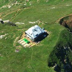 Flugwegposition um 14:03:11: Aufgenommen in der Nähe von Hafning bei Trofaiach, Österreich in 2408 Meter