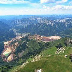 Flugwegposition um 14:03:04: Aufgenommen in der Nähe von Hafning bei Trofaiach, Österreich in 2408 Meter