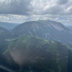 Flugwegposition um 12:04:00: Aufgenommen in der Nähe von Gemeinde Puchberg am Schneeberg, Österreich in 1661 Meter