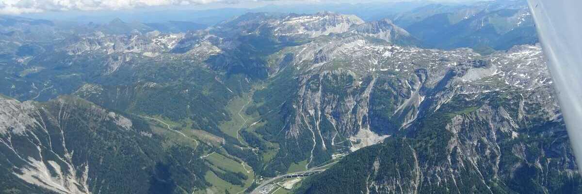 Flugwegposition um 13:17:59: Aufgenommen in der Nähe von Gemeinde Flachau, Österreich in 3007 Meter