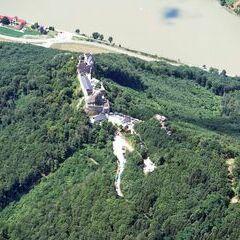 Flugwegposition um 10:42:52: Aufgenommen in der Nähe von Gemeinde Bergern im Dunkelsteinerwald, Österreich in 1421 Meter