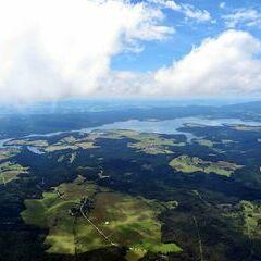 Flugwegposition um 12:00:04: Aufgenommen in der Nähe von Okres Český Krumlov, Tschechien in 1911 Meter