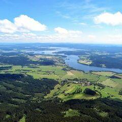 Flugwegposition um 12:11:07: Aufgenommen in der Nähe von Okres Český Krumlov, Tschechien in 1663 Meter