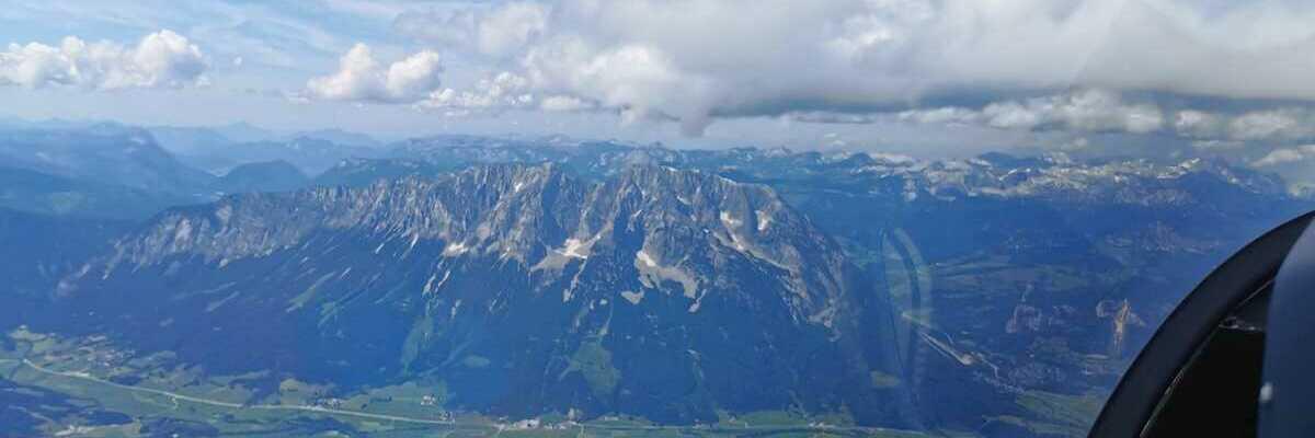 Flugwegposition um 12:42:43: Aufgenommen in der Nähe von Donnersbach, Österreich in 2681 Meter