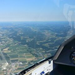 Flugwegposition um 14:20:03: Aufgenommen in der Nähe von Gemeinde Sinabelkirchen, Österreich in 1417 Meter