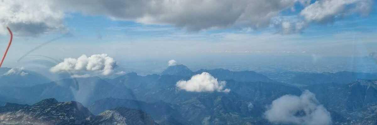 Flugwegposition um 14:53:25: Aufgenommen in der Nähe von Gemeinde Grundlsee, 8993, Österreich in 2732 Meter