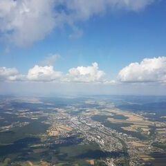 Flugwegposition um 14:25:37: Aufgenommen in der Nähe von Gemeinde Gloggnitz, Gloggnitz, Österreich in 1570 Meter