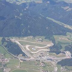 Flugwegposition um 13:00:31: Aufgenommen in der Nähe von Gemeinde Zeltweg, Zeltweg, Österreich in 2450 Meter