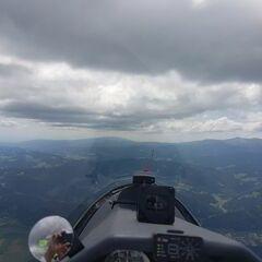 Flugwegposition um 11:25:07: Aufgenommen in der Nähe von Gemeinde Fohnsdorf, Fohnsdorf, Österreich in 2132 Meter