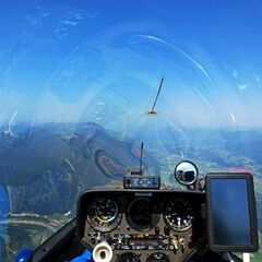 Flugwegposition um 08:42:56: Aufgenommen in der Nähe von Gemeinde St. Stefan im Gailtal, Österreich in 1897 Meter