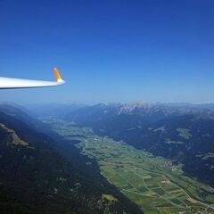 Flugwegposition um 09:32:06: Aufgenommen in der Nähe von Gemeinde Hermagor-Pressegger See, Österreich in 1662 Meter