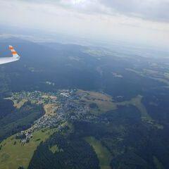 Flugwegposition um 13:25:17: Aufgenommen in der Nähe von Saalfeld-Rudolstadt, Deutschland in 1576 Meter