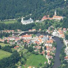 Flugwegposition um 11:20:00: Aufgenommen in der Nähe von Okres Český Krumlov, Tschechien in 1341 Meter